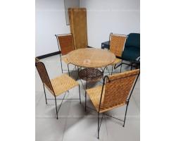Thanh lý bàn cafe 4 ghế mới 90%