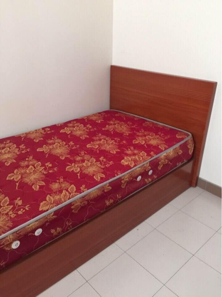 Thanh lý giường 1m như mới (kèm nệm)