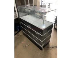Thanh lý tủ trưng bày nhỏ 1m2 giá rẻ