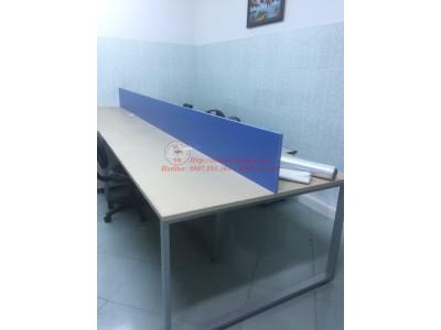 Lựa bàn làm việc cũ để tối ưu diện tích văn phòng