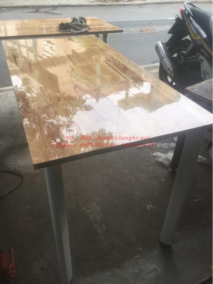 Thanh lý bàn làm việc bằng gỗ ghép giá rẻ