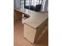 Thanh lý bàn văn phòng giá rẻ tại TpHCM
