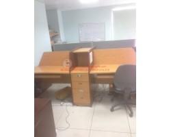 Thanh lý cụm bàn làm việc có vách ngăn cũ 570
