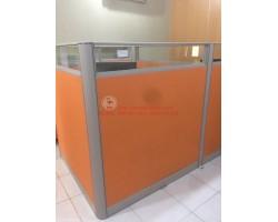 Thanh lý vách ngăn văn phòng cũ màu cam 1m2