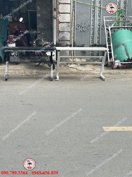 Thanh lý bàn làm việc chân Z giá rẻ tại TpHCM MS944