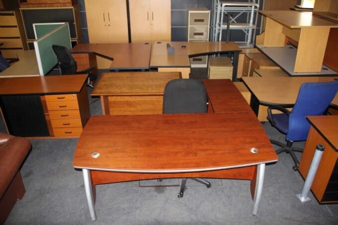 Mẹo làm mới đồ nội thất văn phòng cũ đơn giản mà hiệu quả