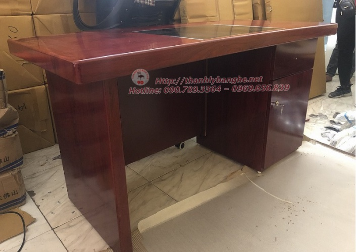 Thanh lý bàn giám đốc 1m4 có hộc cũ giá rẻ