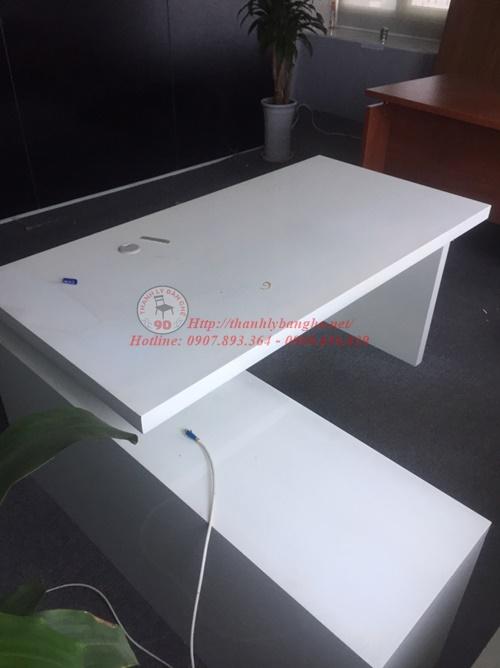 Thanh lý bàn giám đốc cũ màu trắng 1m6x80