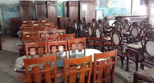 Nội thất quán ăn, gia đình cũ
