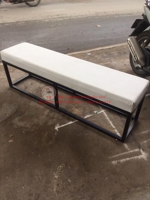 Thanh lý ghế sofa dài 1m6 màu trắng giá cực hấp dẫn