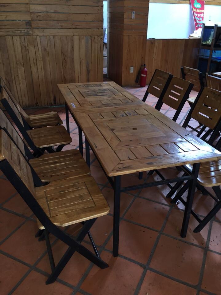 thanh lý bàn ghế gỗ xếp cũ