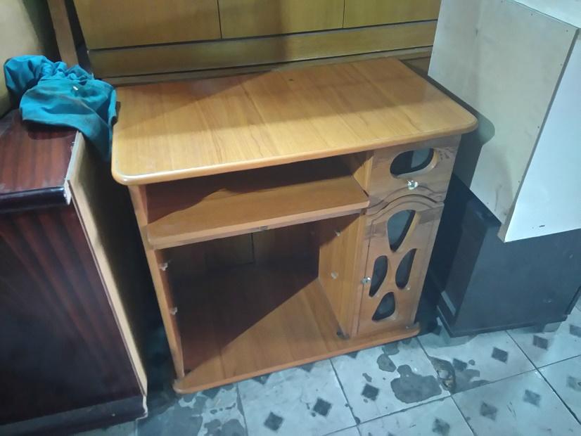 kệ tivi cũ giá rẻ