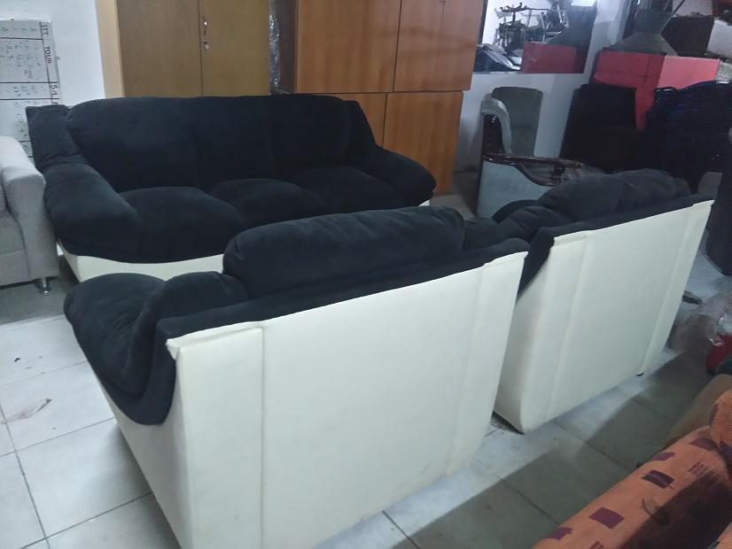 bộ sofa gia đình cũ
