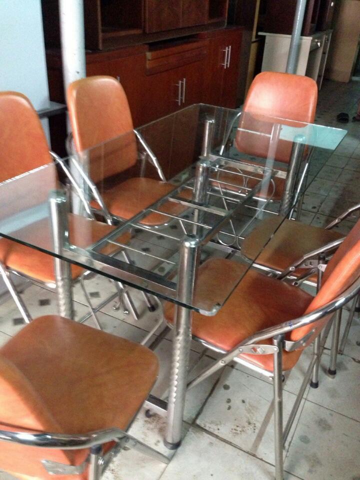thanh lý bàn ăn cũ
