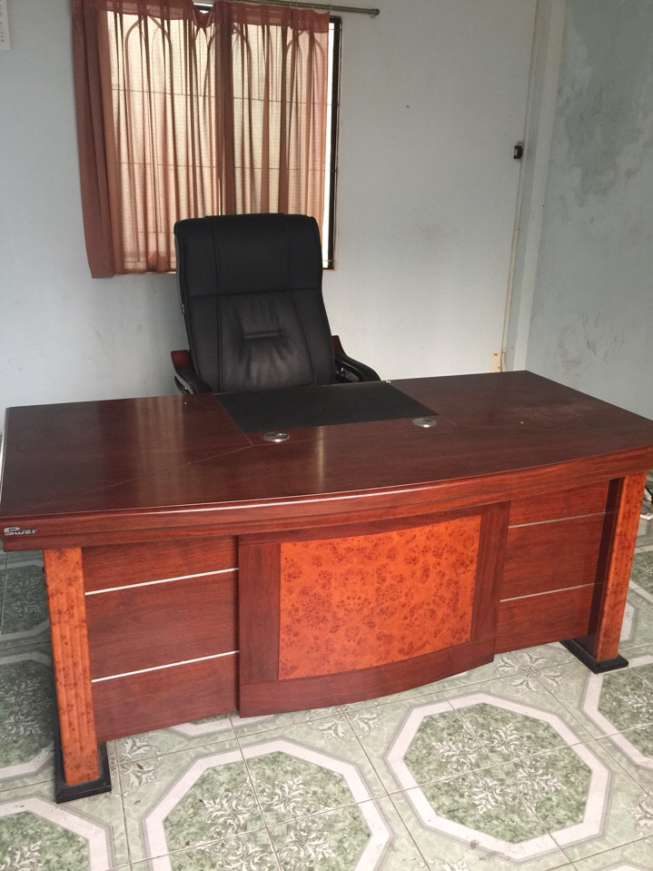 bàn giám đốc 1m8 cũ