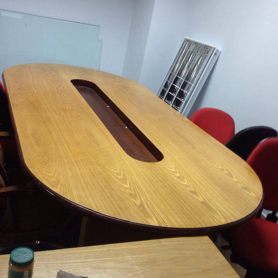 bán bàn họp oval 2m4 cũ