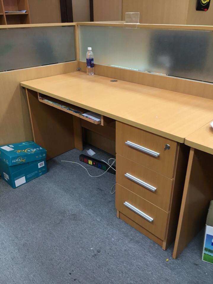 Dịch vụ thanh lý bàn ghế văn phòng cũ tại quận 12