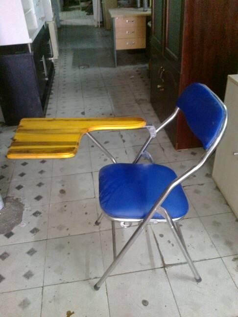ghế xếp sinh viên cũ
