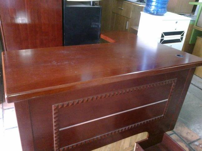 thanh lý bàn giám đốc cũ