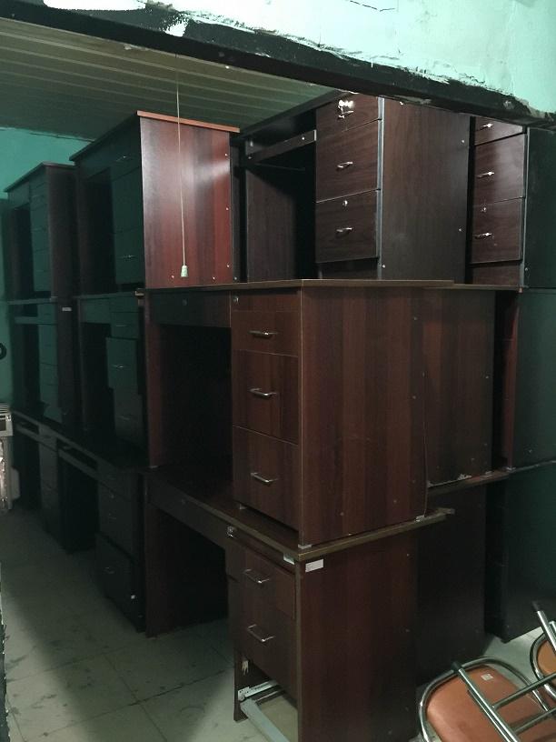 bàn văn phòng thanh lý