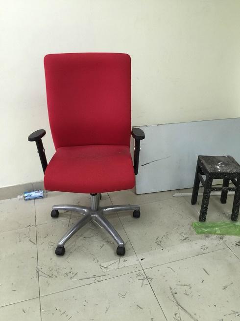 thanh lý ghế xoay chân inox