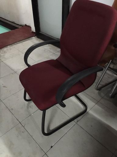 xử lý bàn ghế văn phòng cũ