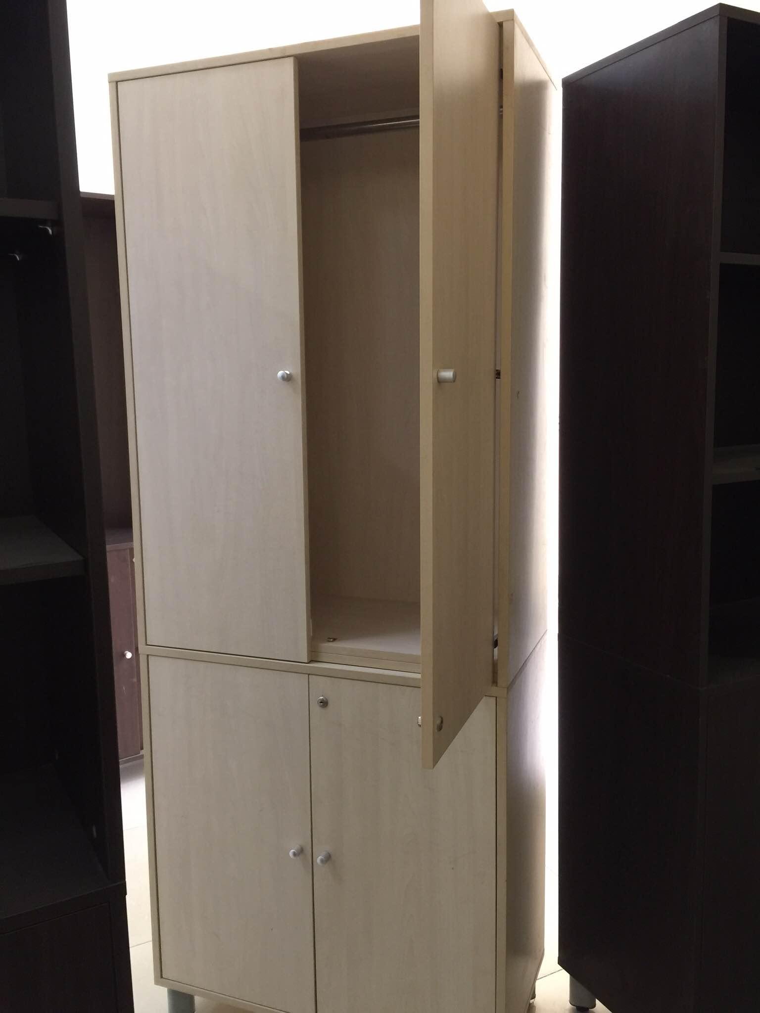 tủ văn phòng thanh lý