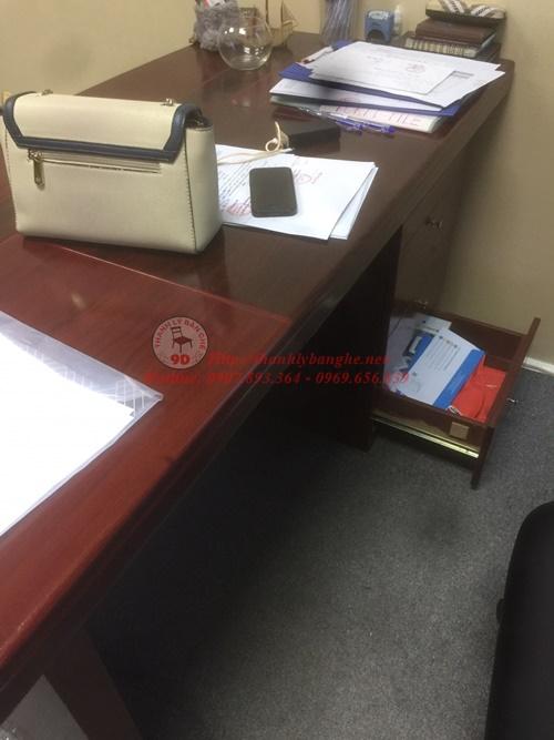 Thanh lý bàn làm việc giám đốc cũ 576