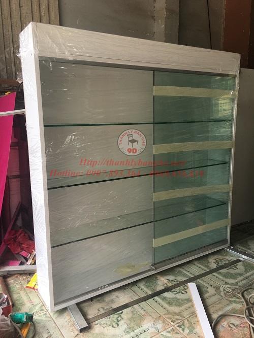 Thanh lý tủ kệ kính treo tường cũ 1m2x1m2