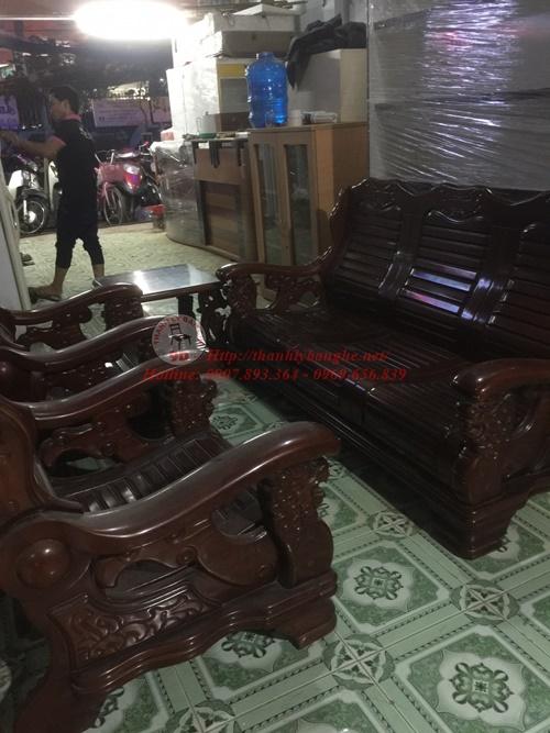 thu mua bàn ghế cũ giá cao