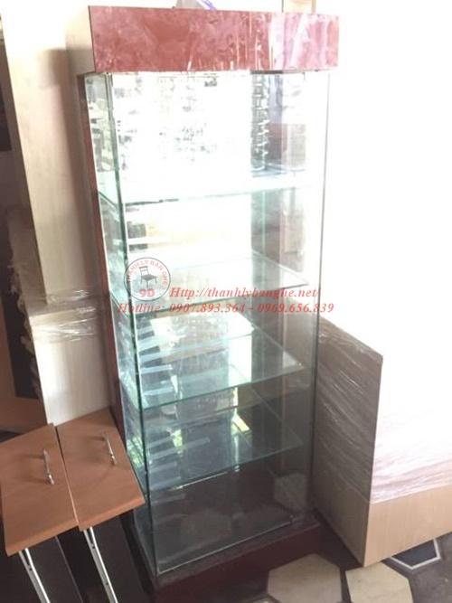 Cửa hàng thanh lý tủ kiếng trưng bày