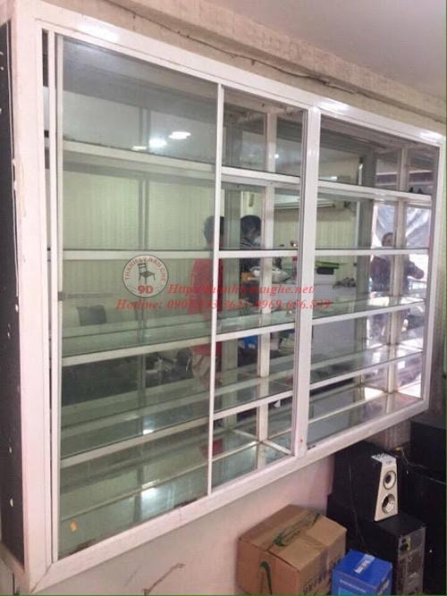 Thanh lý tủ trưng bày treo tường tại TPHCM