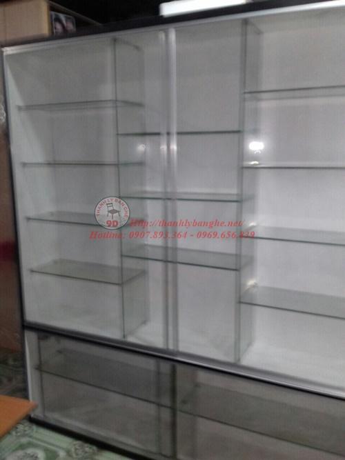 Thanh lý tủ trưng bày tầng kính có đèn led