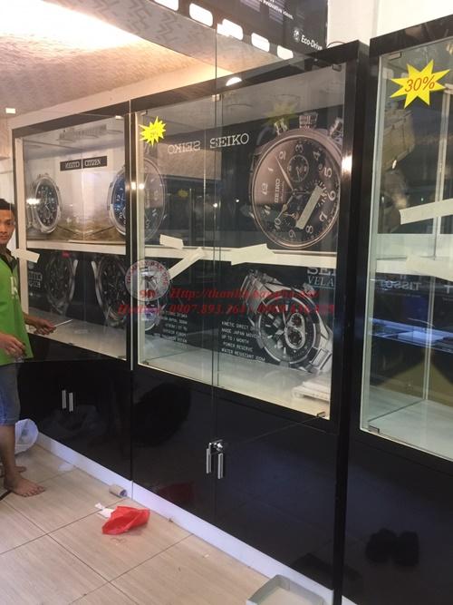 Thanh lý tủ kính trưng bày đồng hồ