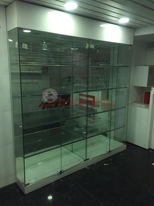Thanh lý tủ trưng bày tầng kính có đèn led 2m3