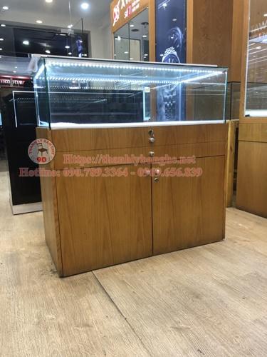 Thanh lý tủ trưng bày đồng hồ, điện thoại nhỏ giá rẻ ms 880
